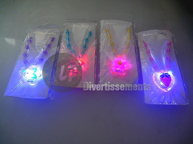 LED-Pendelleuchte<br>und Perlen-Mix