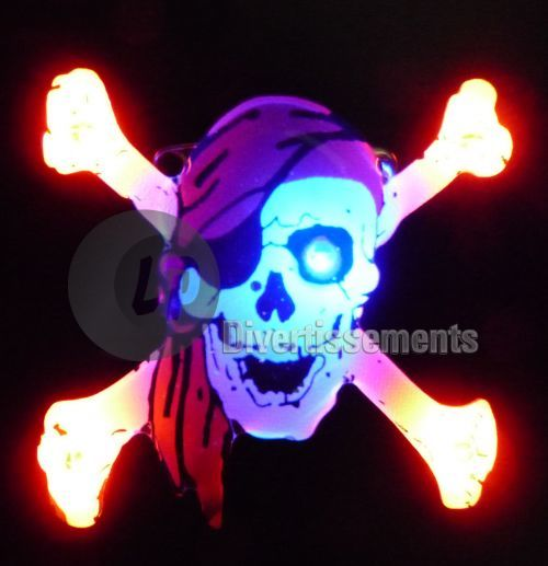 badge LED pirate bandana rouge